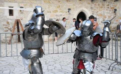 Medieval Bustle