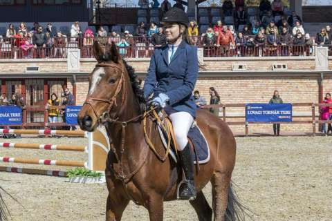 Easter Show Jumping Race