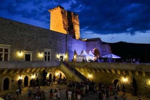 Mysteriöse Nacht im Schloss Diósgyőr