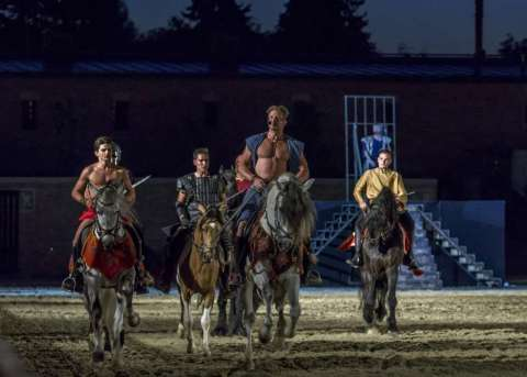 Gladiator - Musical and horse show